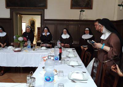 sorelle in visita (9)